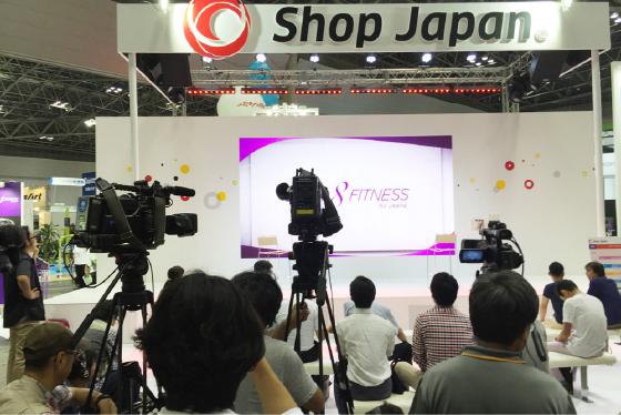タレントで元国会議員・杉村太蔵さんのトークショー会場には、テレビカメラがたくさん来ていました!! このときのトークショーの様子は、ワイドショーに取り上げられていましたので、ご覧になった方も多いかもしれませんね。